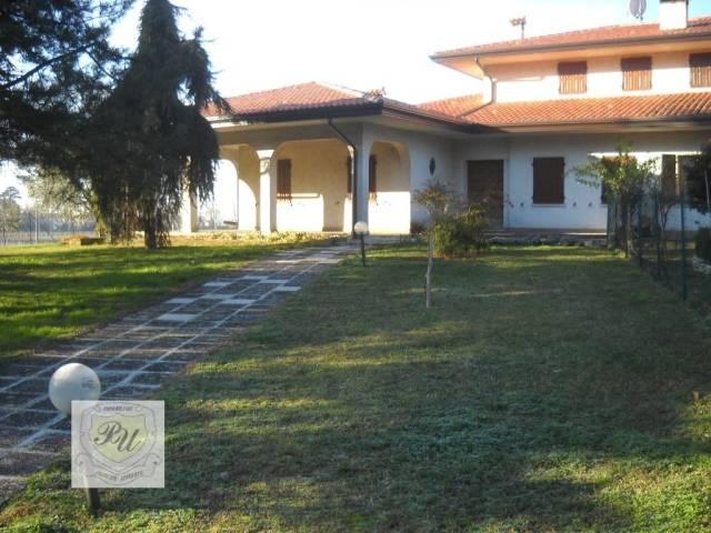 Villa in buone condizioni in vendita Rif. 7056080
