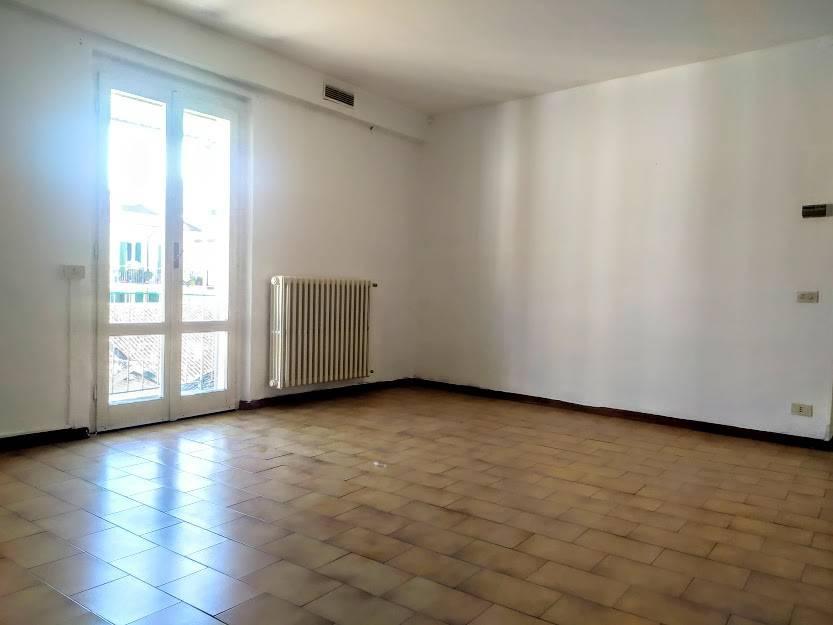 Appartamento in affitto a Casteggio, 2 locali, prezzo € 320 | CambioCasa.it