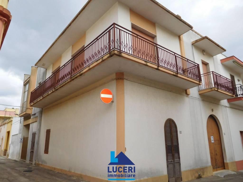 Appartamento da ristrutturare in vendita Rif. 8089029