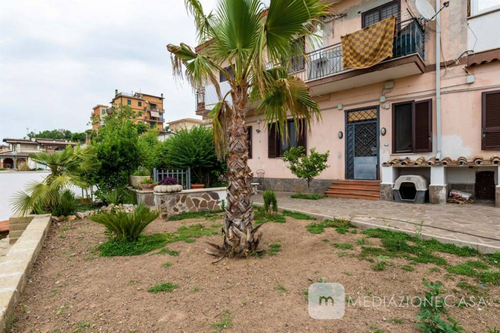 Appartamento in vendita a Roma, 4 locali, zona Zona: 35 . Setteville - Casalone - Acqua Vergine, prezzo € 199.000 | CambioCasa.it