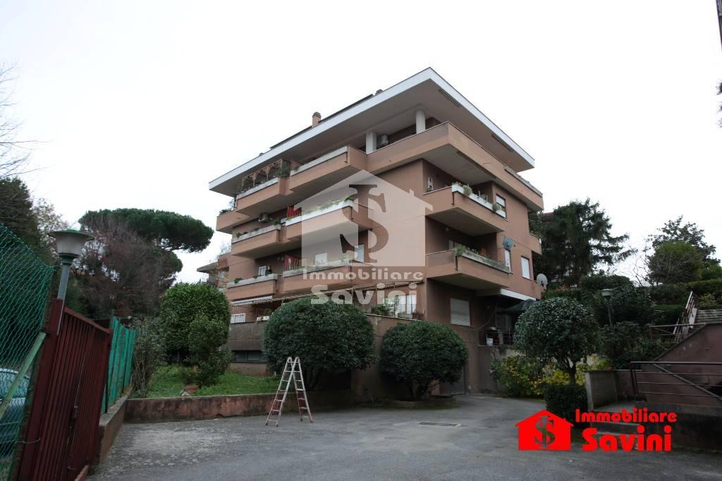 Appartamento in vendita a Genzano di Roma, 2 locali, prezzo € 115.000 | CambioCasa.it