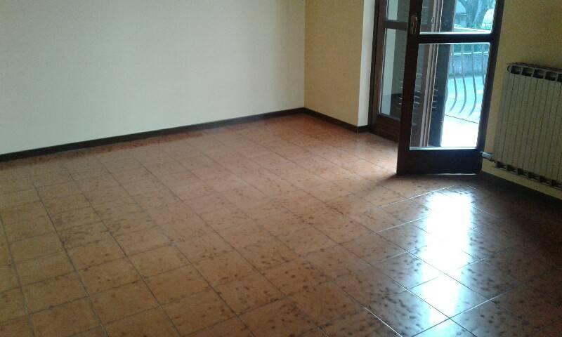 Appartamento in affitto a Almenno San Salvatore, 3 locali, prezzo € 550 | PortaleAgenzieImmobiliari.it