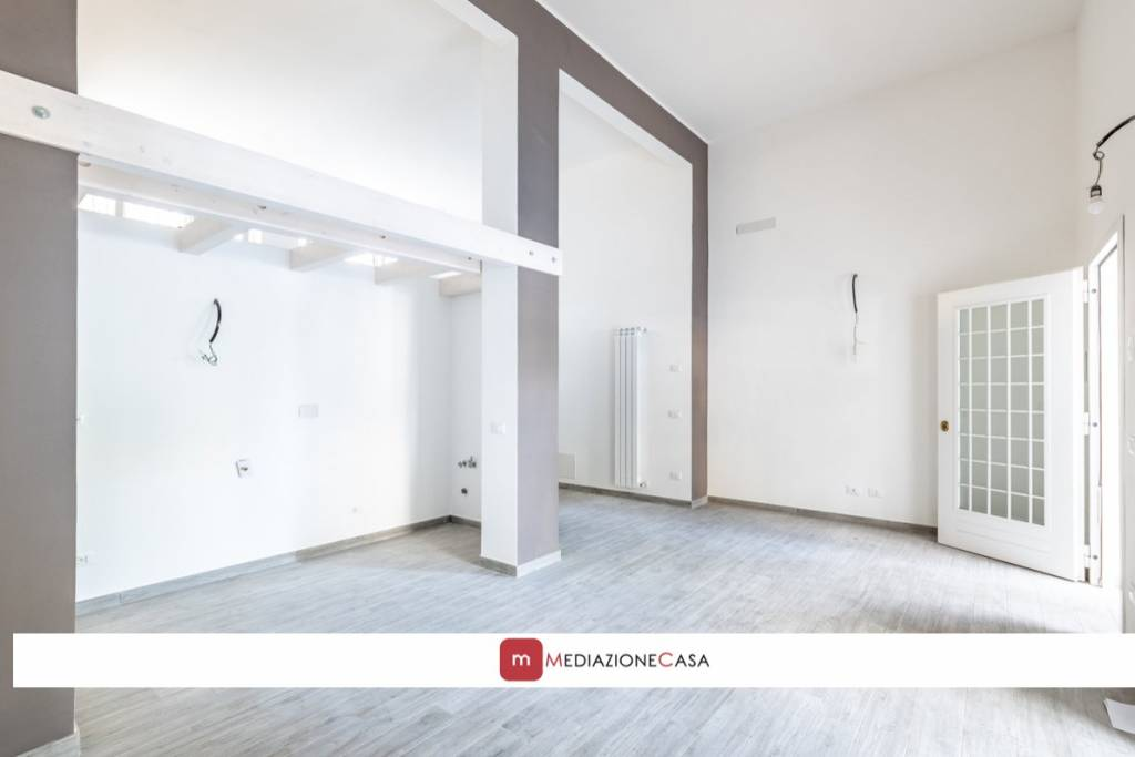 Appartamento in vendita a Roma, 3 locali, zona Zona: 10 . Pigneto, Largo Preneste, prezzo € 175.000   CambioCasa.it