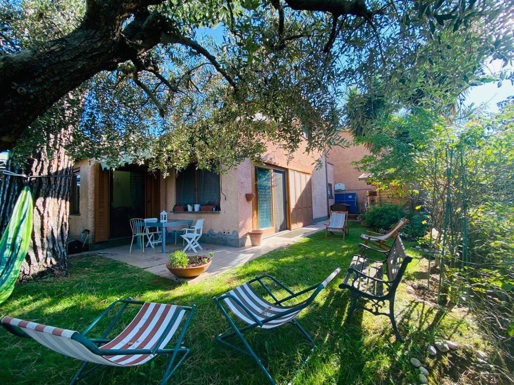 Villa a Schiera in vendita a Roma, 5 locali, prezzo € 495.000 | CambioCasa.it