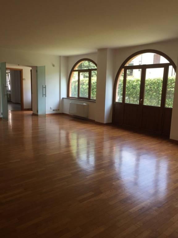 Villa in affitto a Udine, 5 locali, prezzo € 1.400   CambioCasa.it