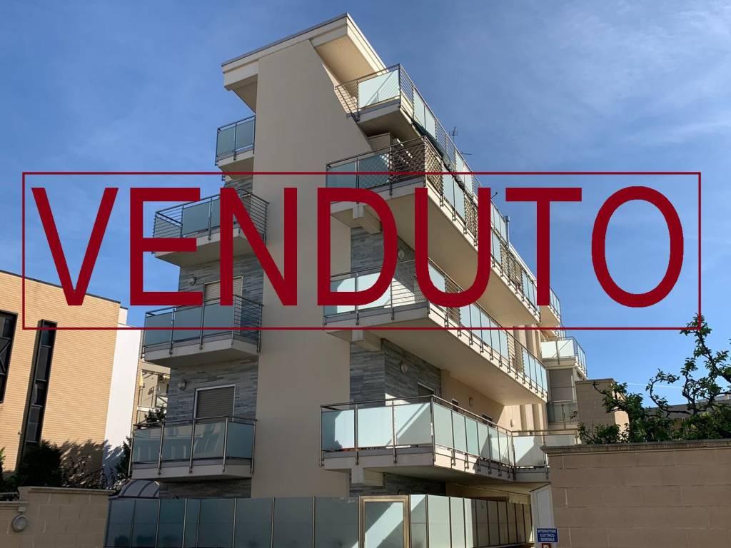 Attico / Mansarda in vendita a Bari, 2 locali, prezzo € 132.000   PortaleAgenzieImmobiliari.it
