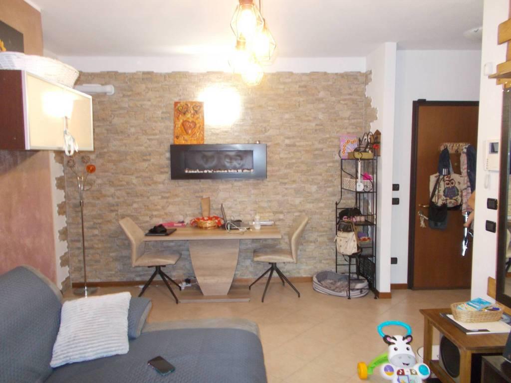 Appartamento in vendita a Fara Gera d'Adda, 3 locali, prezzo € 120.000 | PortaleAgenzieImmobiliari.it