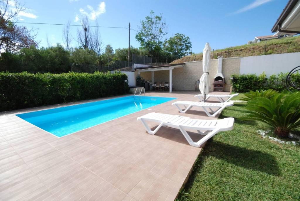 Villa in vendita a Colonnella, foto 2