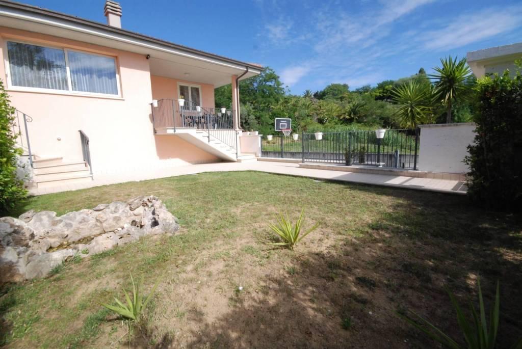 Villa in vendita a Colonnella, foto 5