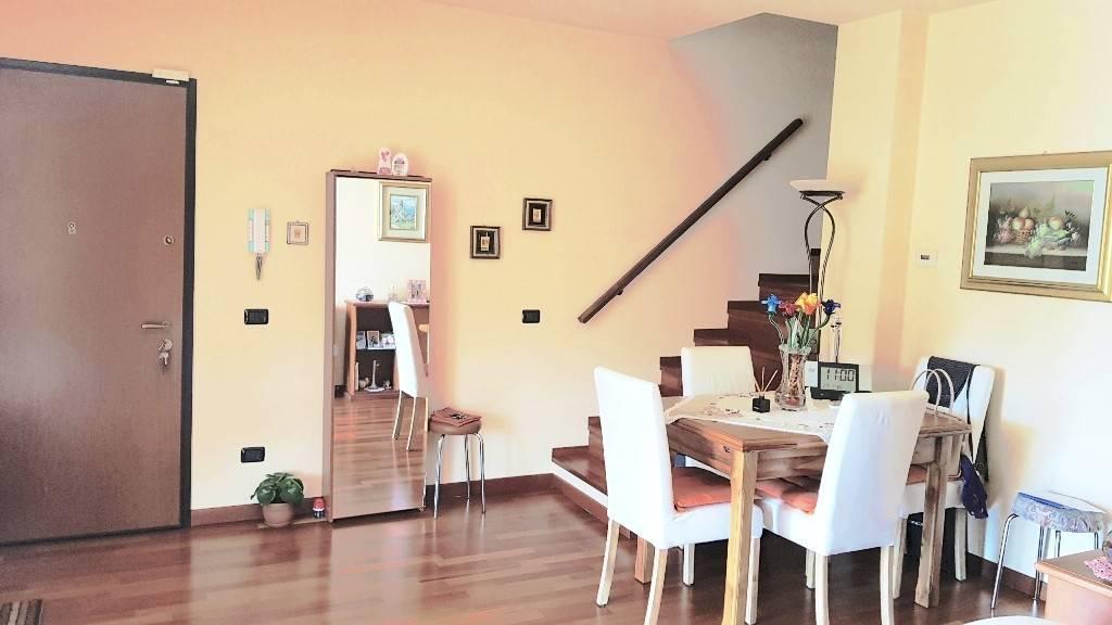 Appartamento in vendita a Castelletto Sopra Ticino, 4 locali, prezzo € 174.500 | PortaleAgenzieImmobiliari.it