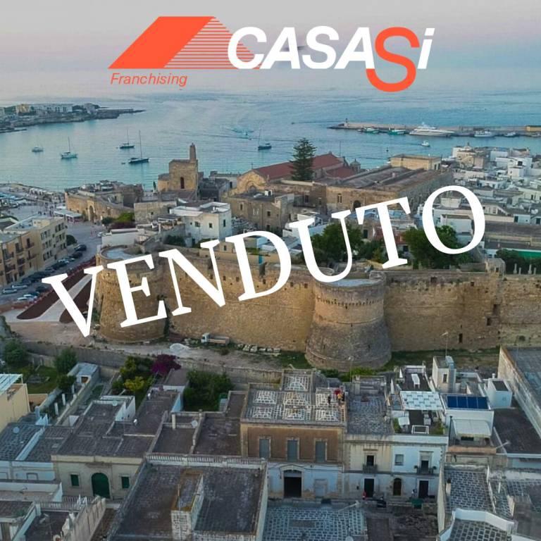Palazzo / Stabile in vendita a Otranto, 6 locali, Trattative riservate | CambioCasa.it