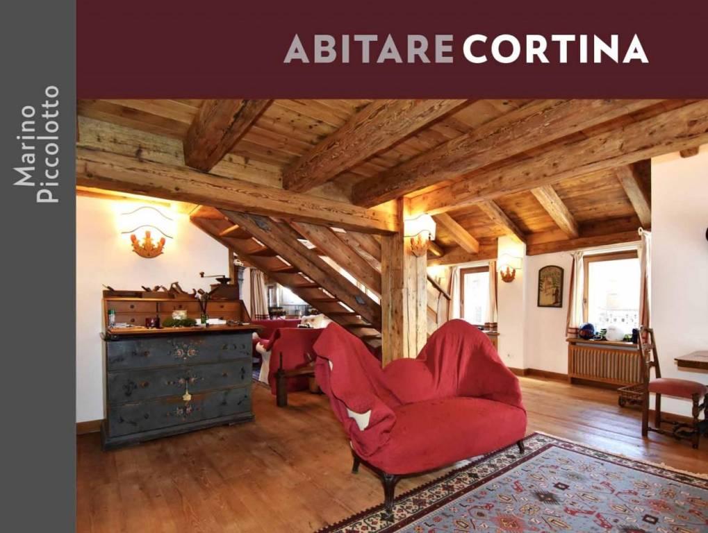 Attico / Mansarda in vendita a Cortina d'Ampezzo, 8 locali, Trattative riservate | PortaleAgenzieImmobiliari.it