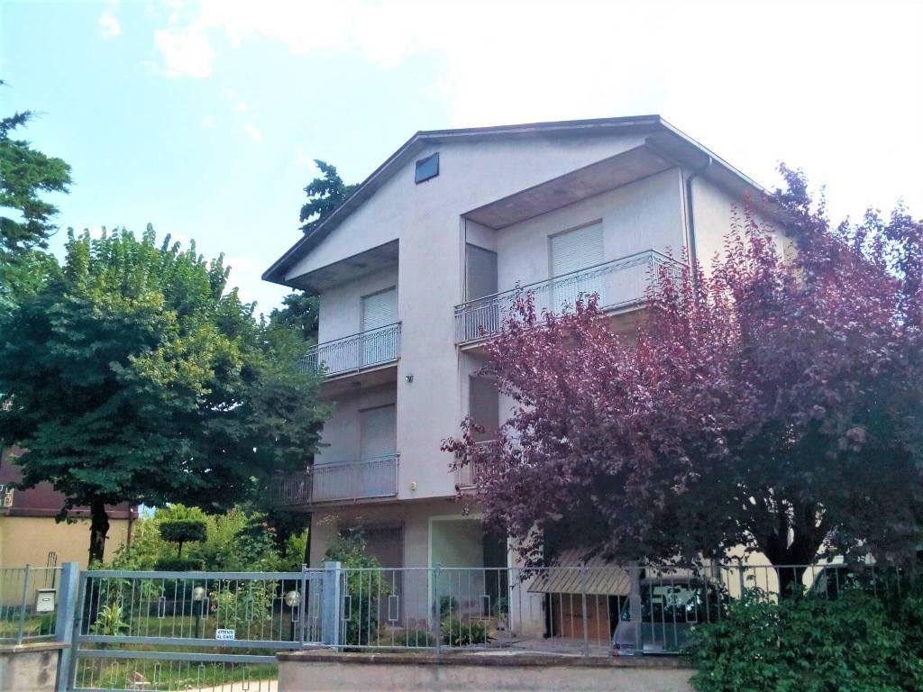 Appartamento in vendita a Foligno, 5 locali, prezzo € 124.000   PortaleAgenzieImmobiliari.it
