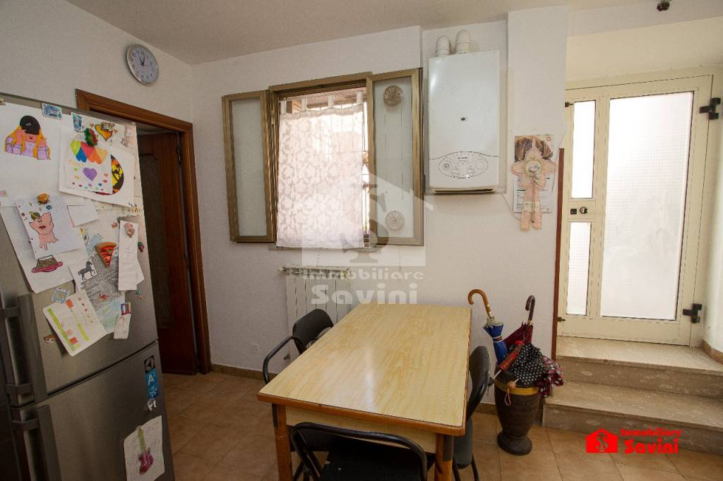 Appartamento in vendita a Genzano di Roma, 2 locali, prezzo € 50.000 | CambioCasa.it