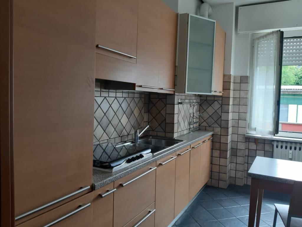 Appartamento in ottime condizioni arredato in affitto Rif. 7925693