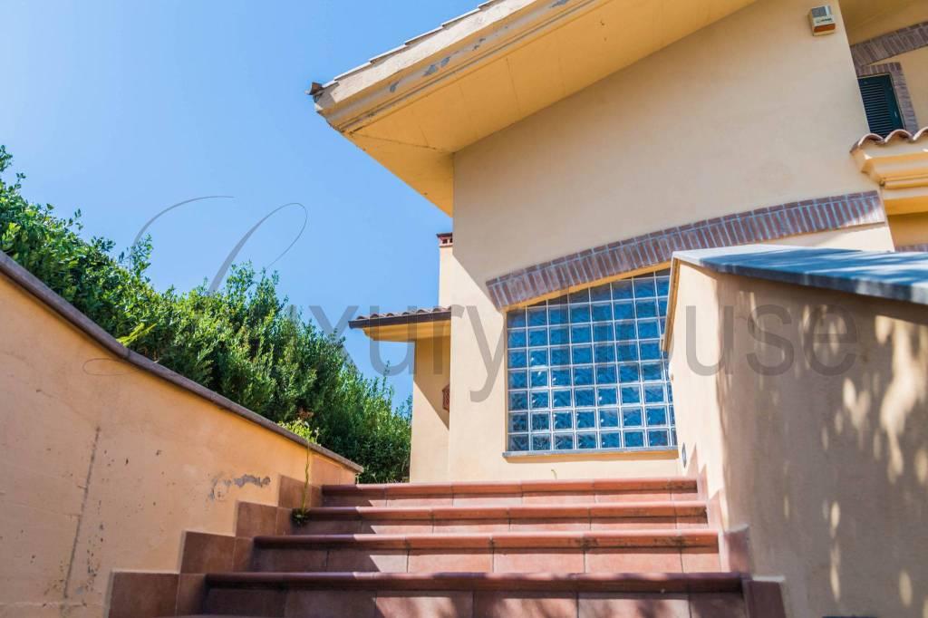Villa in vendita a Formello, 4 locali, prezzo € 349.000   CambioCasa.it