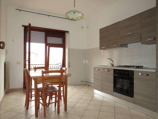 Appartamento in buone condizioni arredato in affitto Rif. 6476804