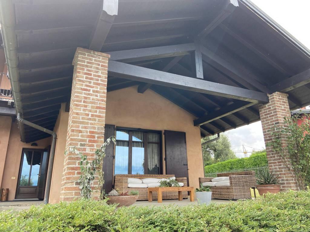 Villa in affitto a Galliate Lombardo, 7 locali, prezzo € 3.000 | PortaleAgenzieImmobiliari.it
