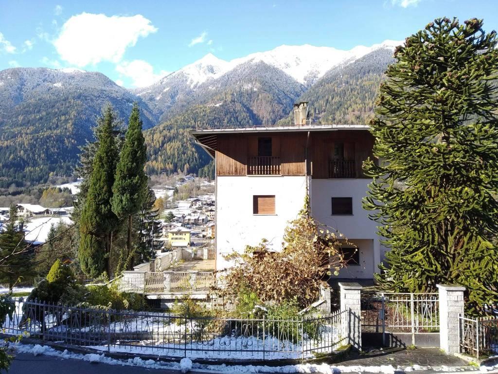 Foto villa indipendente in vendita a Bocenago (Trento)
