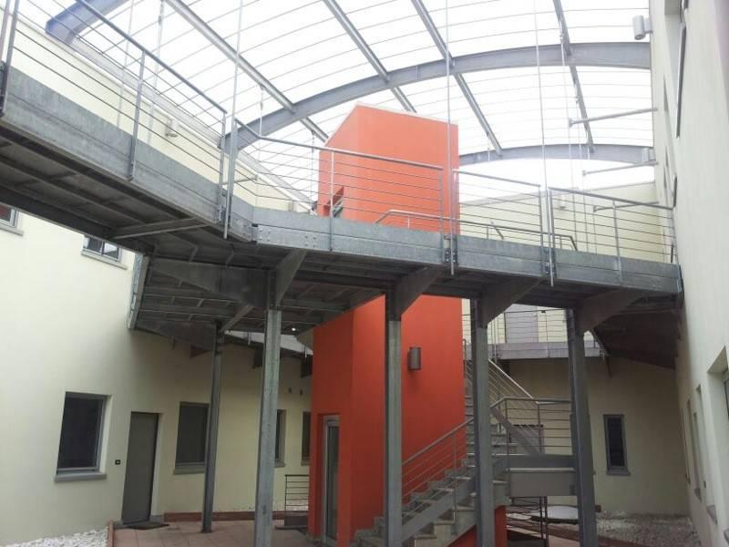 Palazzo / Stabile in affitto a Pianezza, 3 locali, prezzo € 700   CambioCasa.it