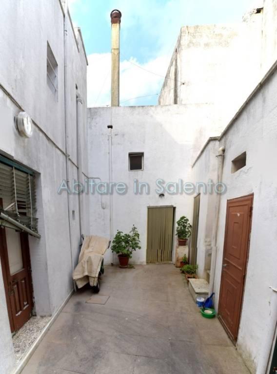 Soluzione Indipendente in vendita a Castrignano del Capo, 3 locali, prezzo € 29.000 | CambioCasa.it