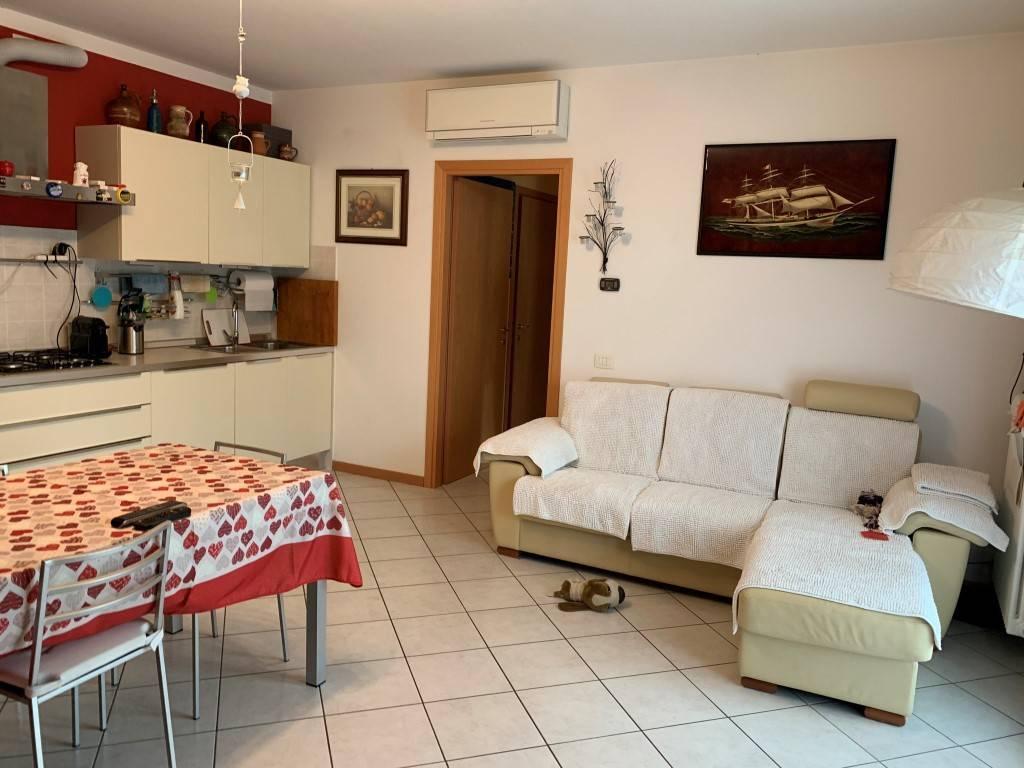 Appartamento in vendita a Camisano Vicentino, 4 locali, prezzo € 160.000 | PortaleAgenzieImmobiliari.it