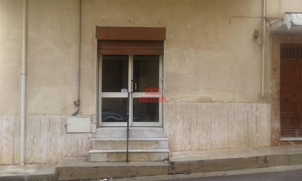 Negozio / Locale in vendita a Villabate, 2 locali, prezzo € 70.000   CambioCasa.it