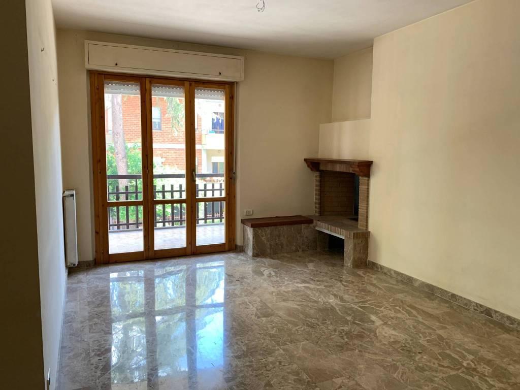 Appartamento in vendita a Foligno, 4 locali, prezzo € 135.000   PortaleAgenzieImmobiliari.it