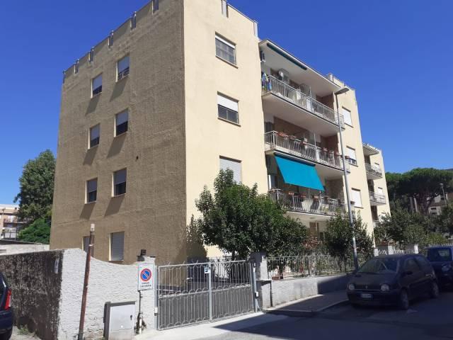 Appartamento in buone condizioni in vendita Rif. 7135979