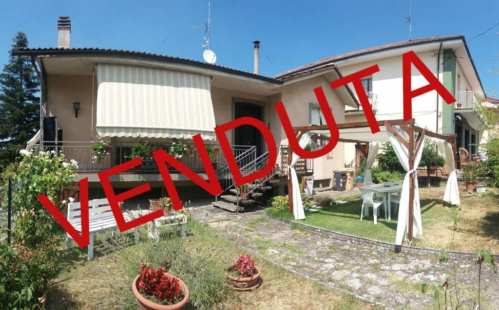 Villa in vendita a Lerma, 9 locali, prezzo € 125.000 | CambioCasa.it