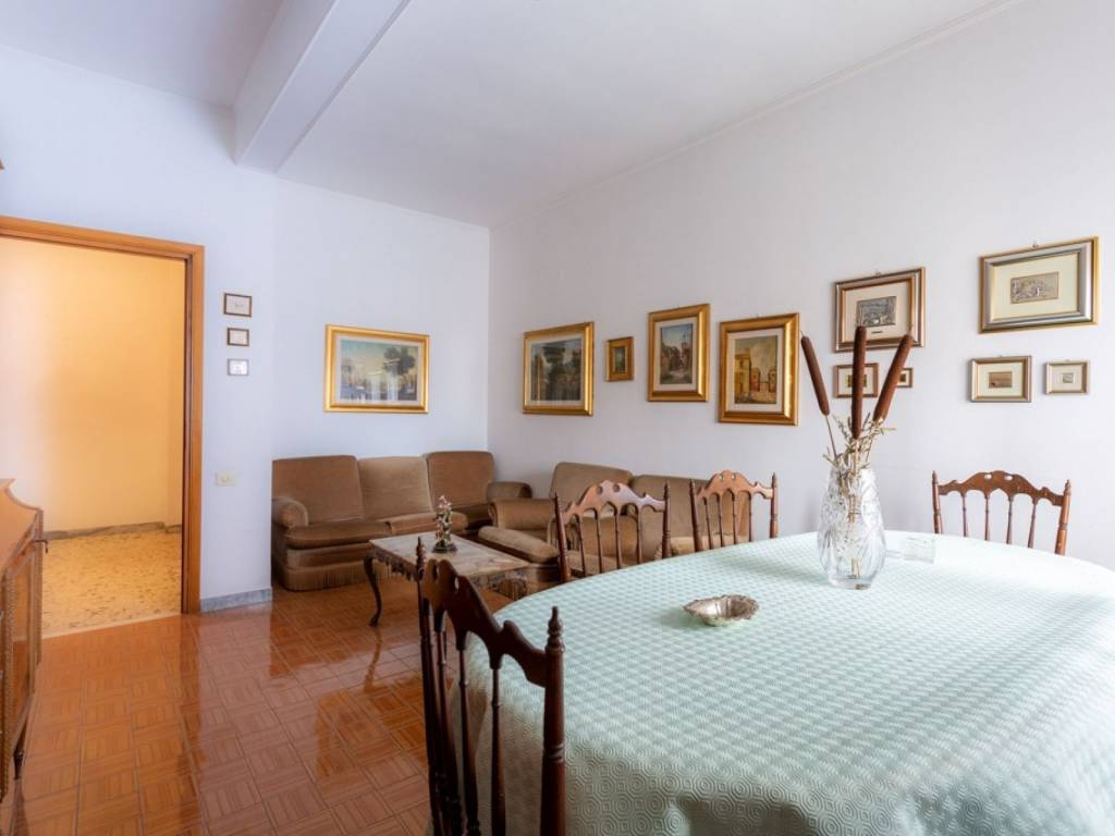 Appartamento in vendita a Roma, 4 locali, prezzo € 165.000 | CambioCasa.it
