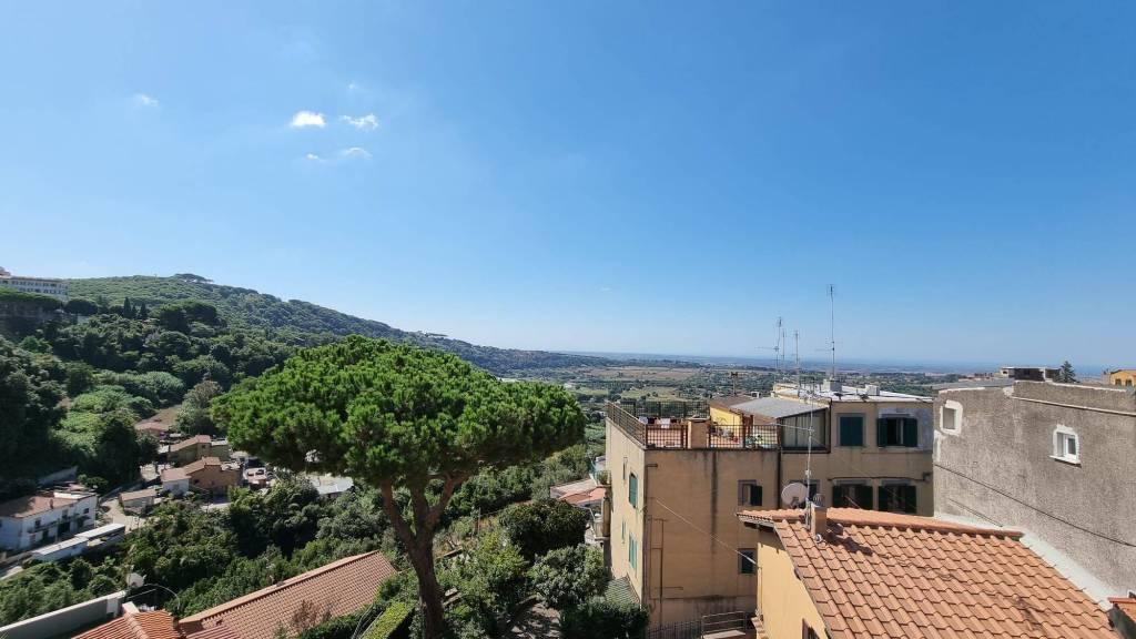 Appartamento in vendita a Ariccia, 4 locali, prezzo € 147.000 | PortaleAgenzieImmobiliari.it