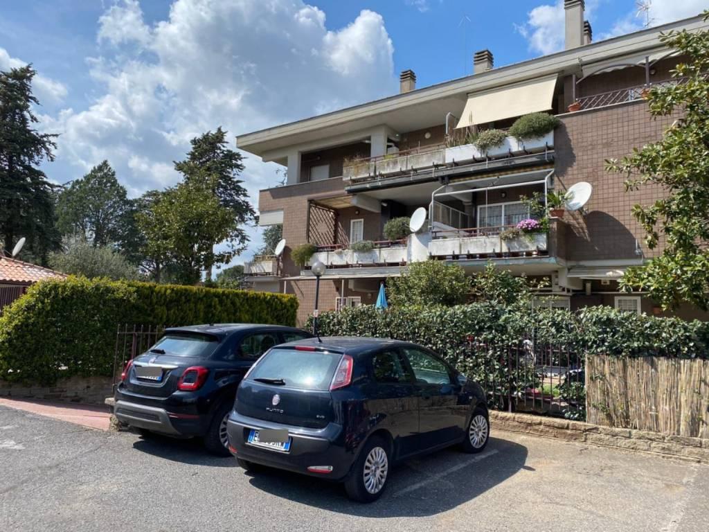 Appartamento in vendita a Roma, 6 locali, prezzo € 159.000 | CambioCasa.it