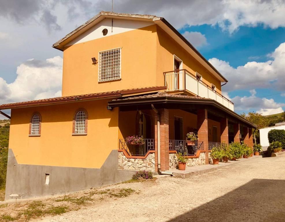Villa in vendita a Apice, 2 locali, prezzo € 145.000 | CambioCasa.it