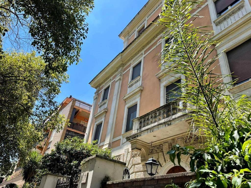 Appartamento in vendita a Roma, 3 locali, zona Zona: 25 . Trastevere - Testaccio, prezzo € 179.000 | CambioCasa.it
