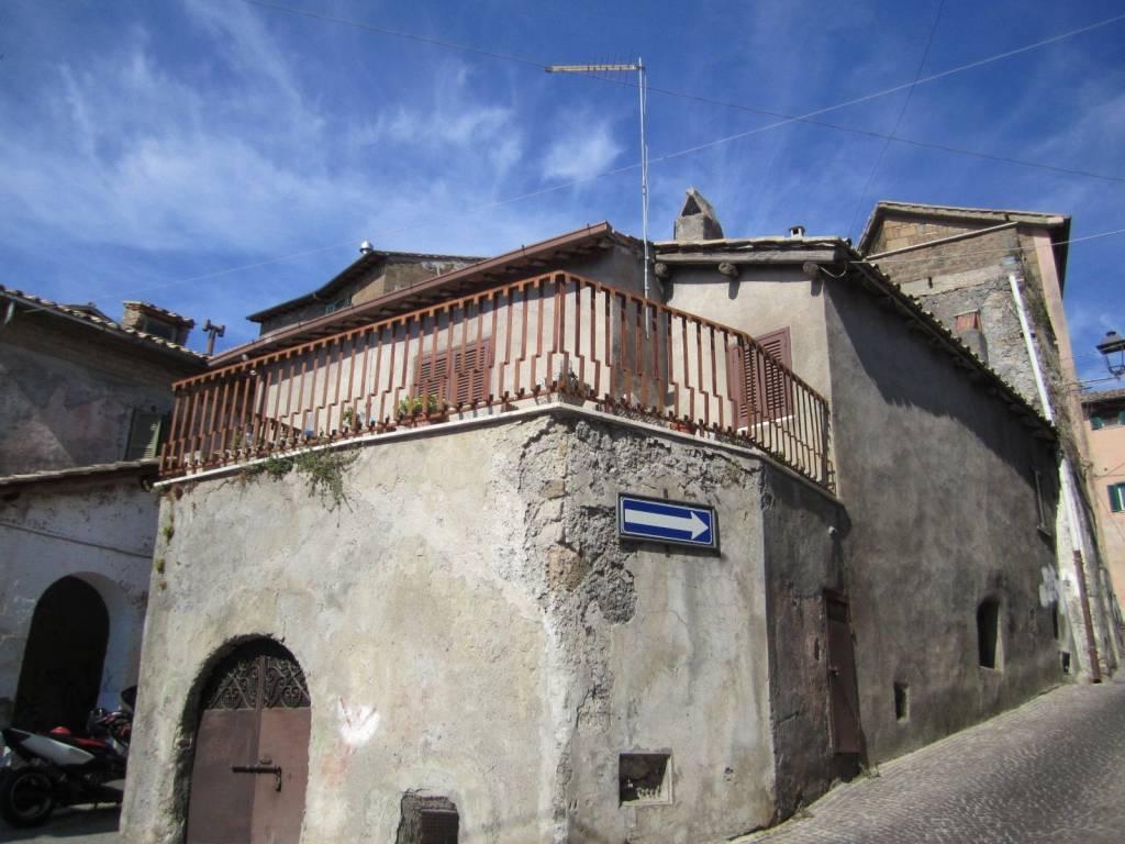 Palazzo / Stabile in vendita a Rignano Flaminio, 4 locali, prezzo € 90.000 | CambioCasa.it