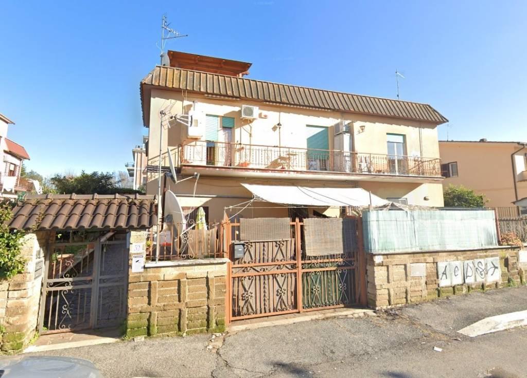Appartamento in vendita a Roma, 3 locali, zona Zona: 33 . Quarto Casale, Labaro, Valle Muricana, Prima Porta, prezzo € 130.000 | CambioCasa.it