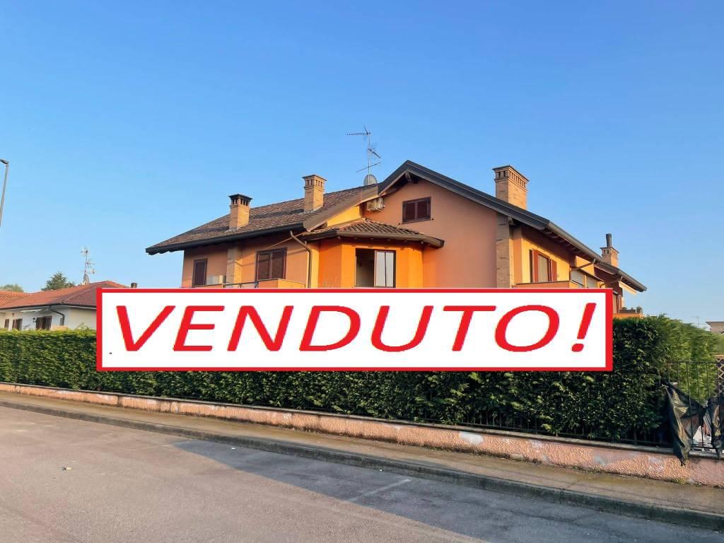 Appartamento in vendita a Casorezzo, 3 locali, prezzo € 123.000 | PortaleAgenzieImmobiliari.it