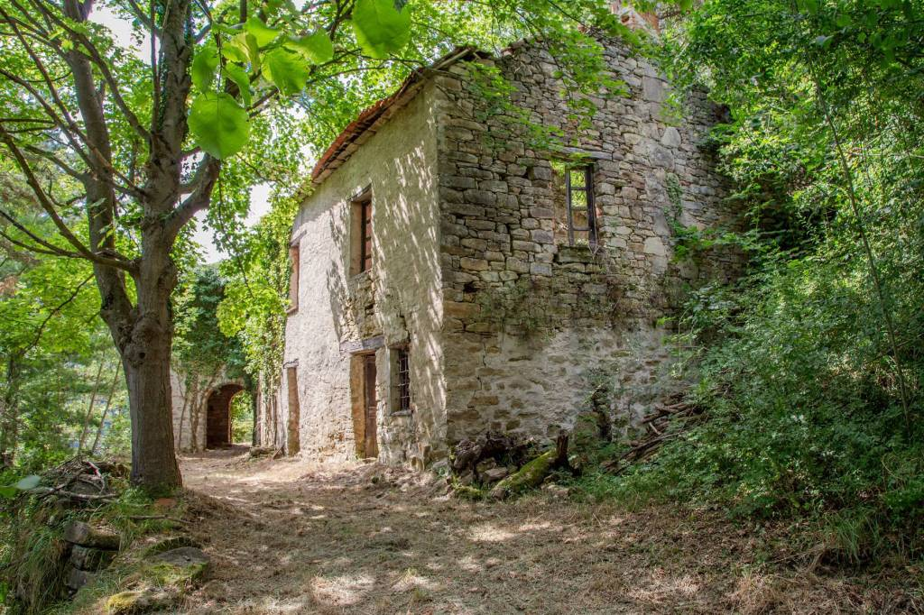 Rustico / Casale in vendita a Cortemilia, 4 locali, prezzo € 90.000 | PortaleAgenzieImmobiliari.it
