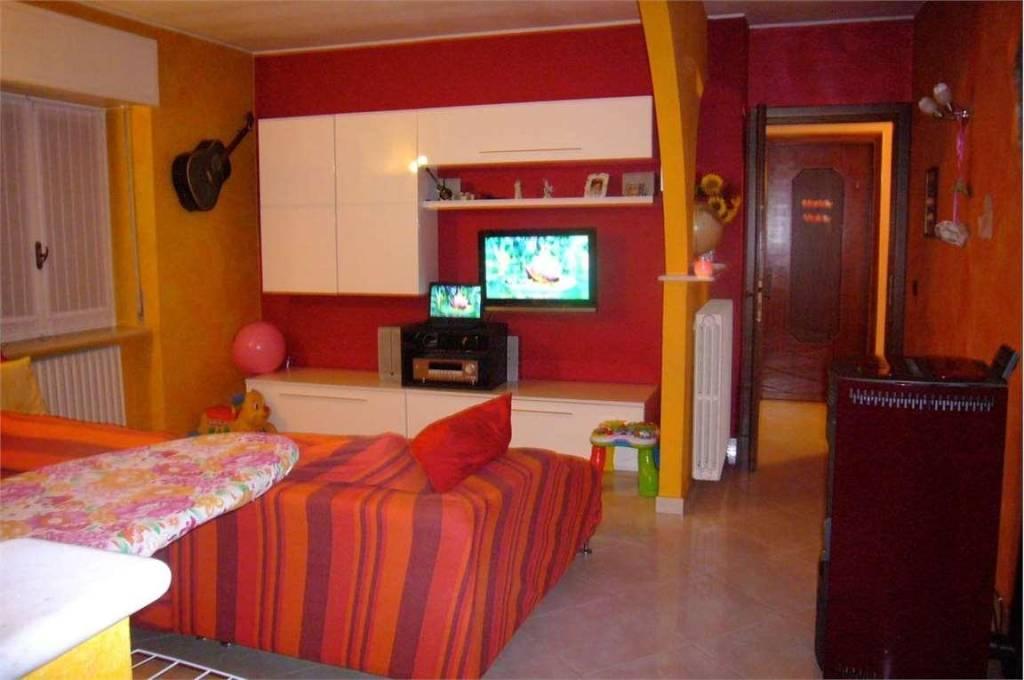 Appartamento in vendita a Sant'Omobono Terme, 3 locali, prezzo € 110.000 | PortaleAgenzieImmobiliari.it