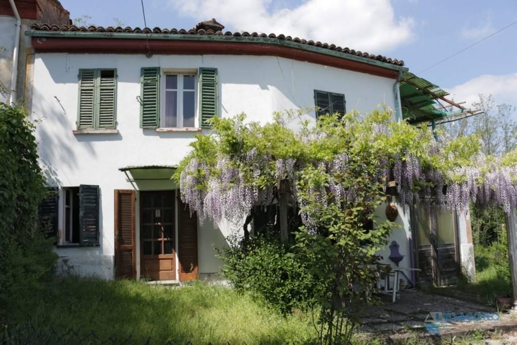 Villa in vendita a Montecastello, 4 locali, prezzo € 85.000   CambioCasa.it