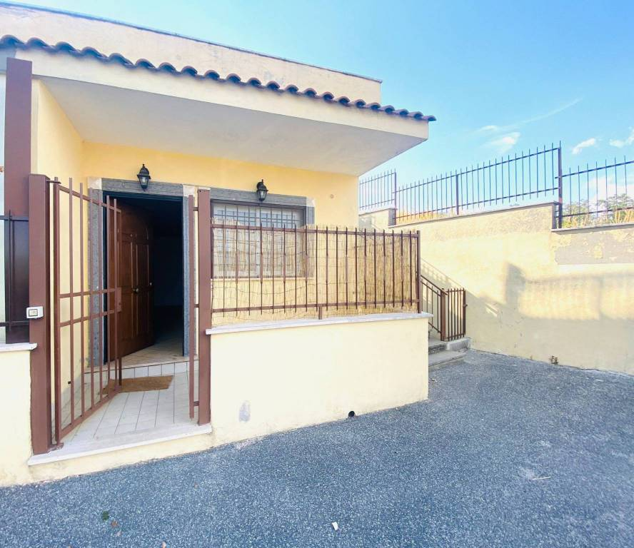 Villa a Schiera in vendita a San Cesareo, 2 locali, prezzo € 59.000   CambioCasa.it