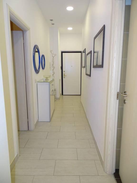 Appartamento in vendita a Segrate, 3 locali, prezzo € 500.000 | CambioCasa.it