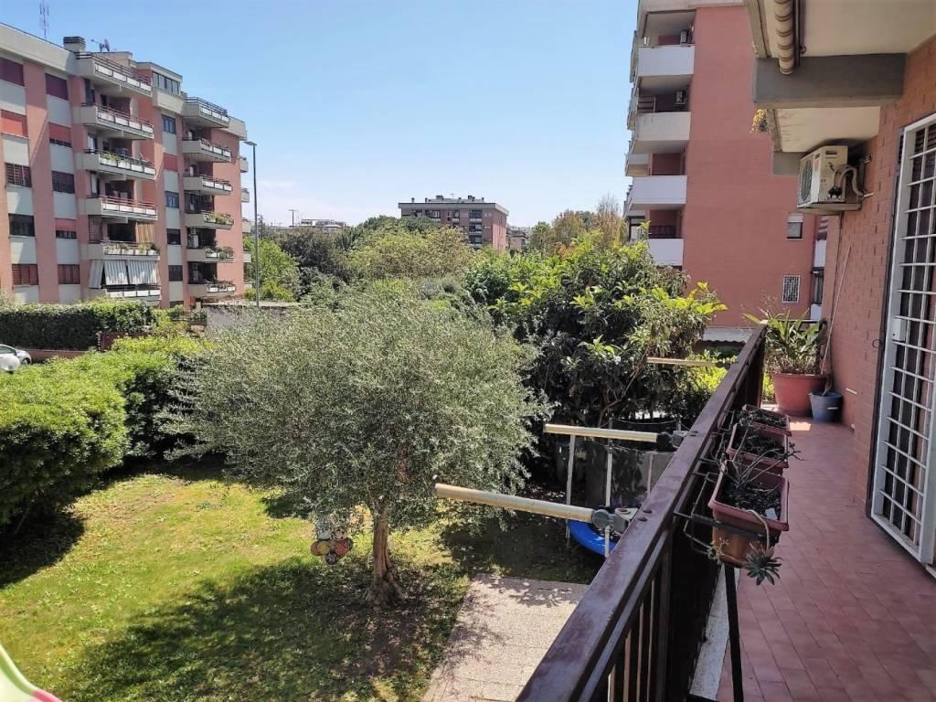 Appartamento in vendita a Roma, 3 locali, zona Zona: 28 . Torrevecchia - Pineta Sacchetti - Ottavia, prezzo € 230.000 | CambioCasa.it