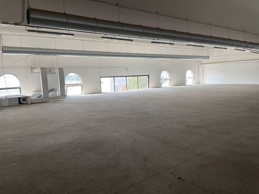 Ufficio / Studio in vendita a San Genesio ed Uniti, 1 locali, prezzo € 150.000 | CambioCasa.it
