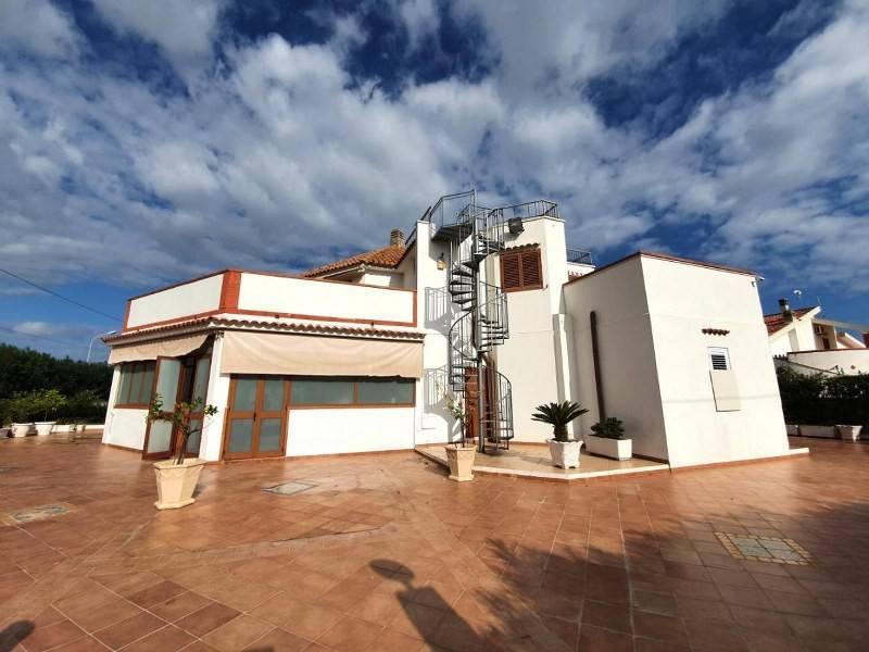 Stabile / Palazzo in ottime condizioni arredato in vendita Rif. 7474411