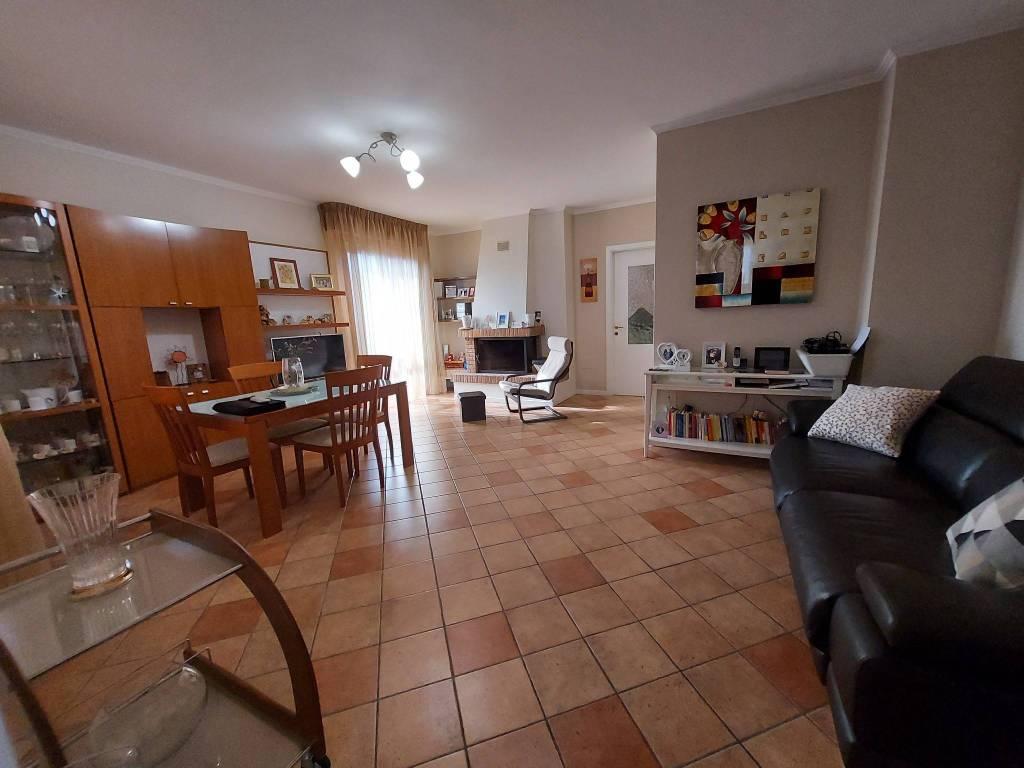 Appartamento in vendita a Montelabbate, 4 locali, prezzo € 190.000 | PortaleAgenzieImmobiliari.it