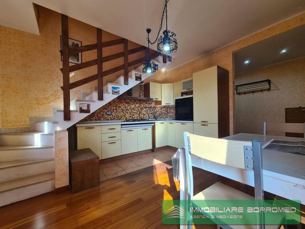 Appartamento in ottime condizioni in vendita Rif. 8019678