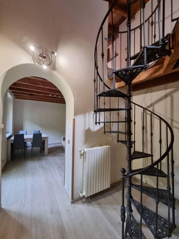 Appartamento in buone condizioni parzialmente arredato in affitto Rif. 7435269