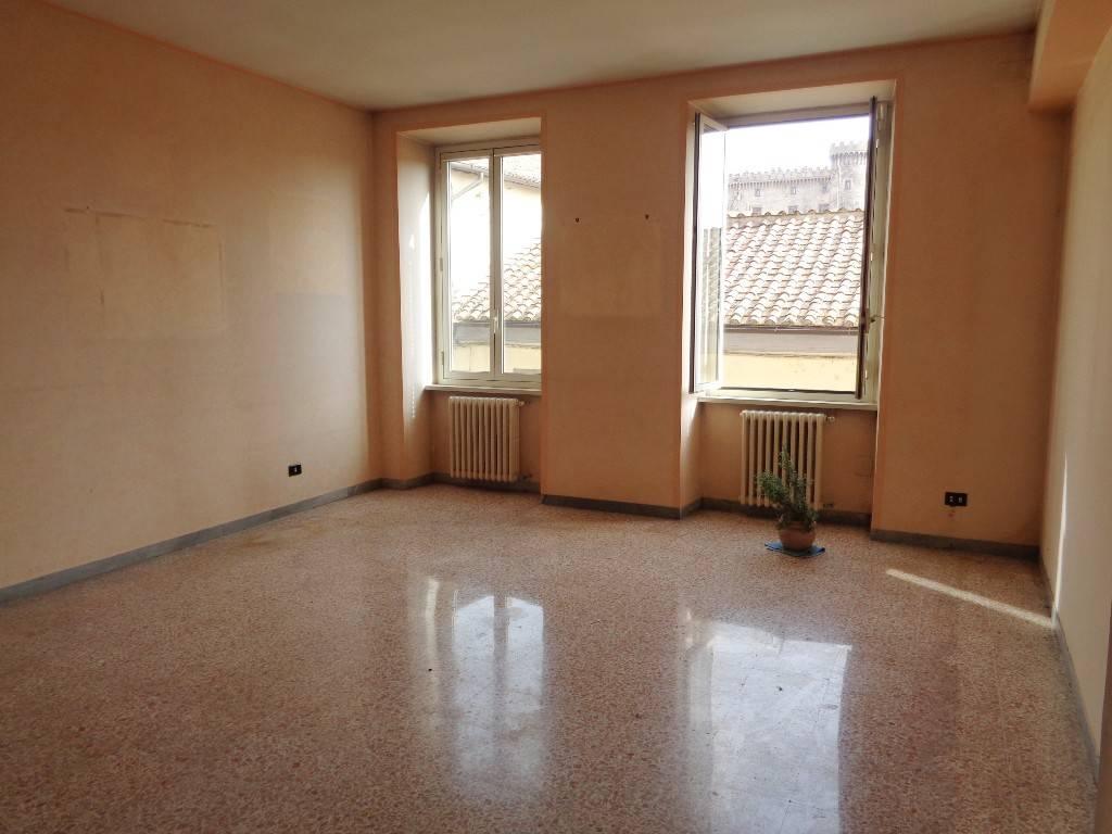 Appartamento in vendita a Bracciano, 4 locali, prezzo € 195.000   CambioCasa.it